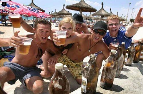пьяный турист